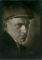 abram-petrovic-shterenberg-portrait-of-mayakovsky