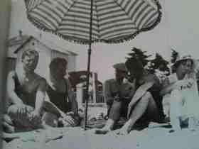nostalgiaforthefutures-EmilHesseBurri,WalterBenjamin,BertoltBrecht,WilhelmSpeyer,MarieSpeyer-Le Lavandou-1931