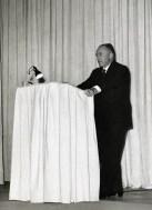 Hendrik de Man op het spreekgestoelte bij een voordracht in Duitsland, 1952