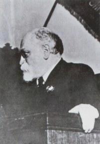 Д.Б.Рязанов на трибуне