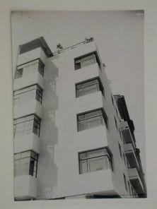 Moisei Ginzburg, Gosstrakh apartment building in Moscow (1926), early photograph