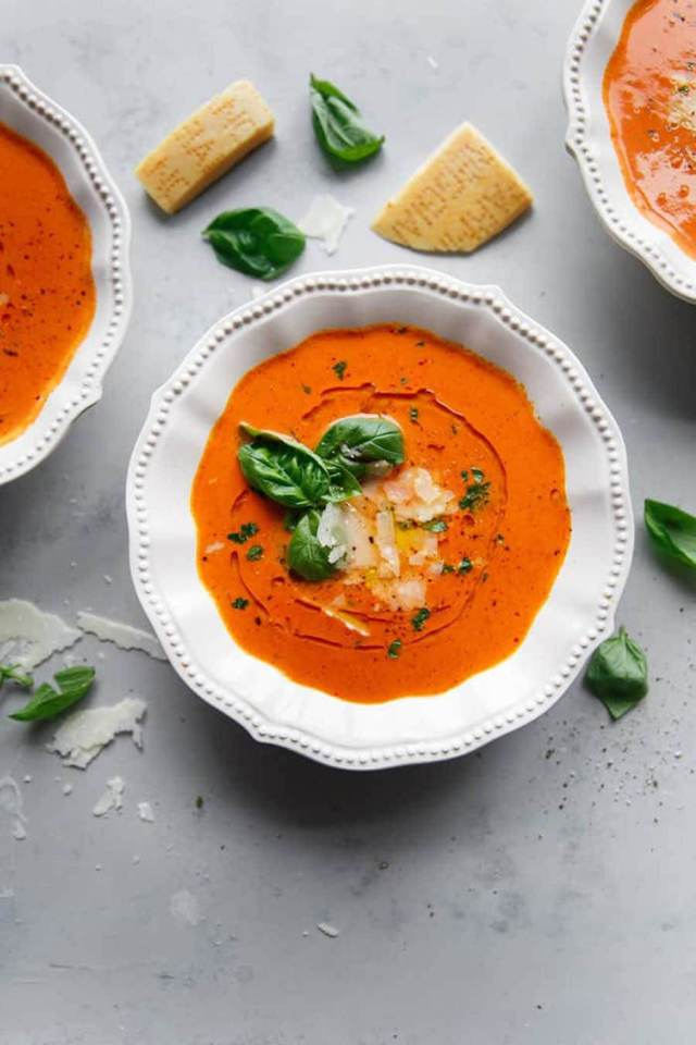 These are the best soup recipes that'll warm you up this fall! Check out our list of fall soup recipes from chicken noodle soup, creamy mushroom soup, pumpkin soup, lentil, potato, and a lot more! comfort foods, crockpot fall soup recipes, easy soup recipes