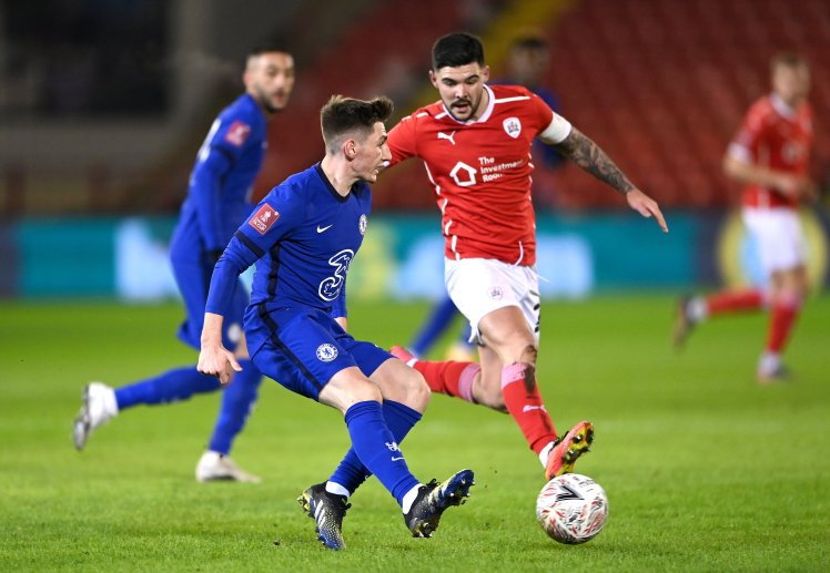 Billy Gilmour in action against Barnsley.