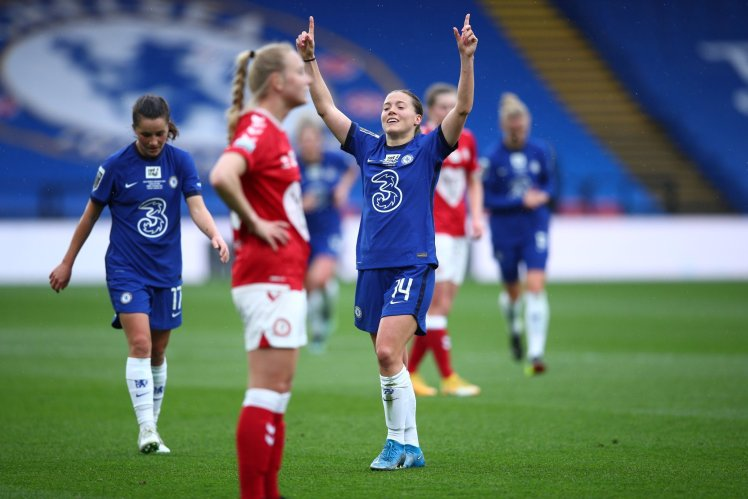 Fran Kirby scores a brilliant 3rd goal for Chelsea.
