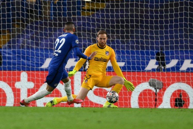 Hakim Ziyech's precise finish makes it Chelsea 1-0 Atlético.