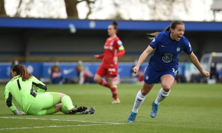 Fran Kirby makes it Chelsea 4-1 Bayern Munich and completes a truly stunning comeback.
