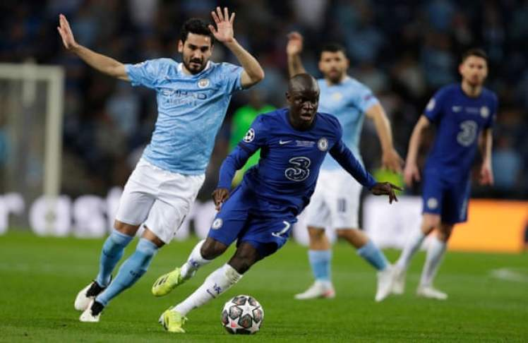 N'Golo Kantéwas at his brilliant best yet again as he delivered yet another man-of-the-match performance. Credit   Manu Fernández/AFP/Getty Images