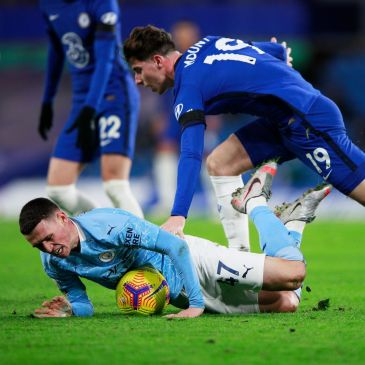 Mason Mount of Chelsea and Phil Foden of Manchester City.