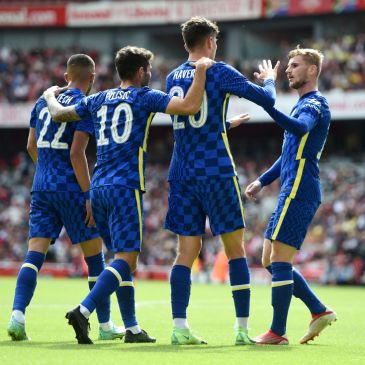 LONDON, ENGLAND - AUGUST 01: Kai Havertz of Chelsea celebrates with Hakim Ziyech, Christian Pulisic and Timo Werner after scoring their side's first goal during the Pre-Season Friendly match between Arsenal and Chelsea at Emirates Stadium on August 01, 2021 in London, England. (Photo by Harriet Lander - Chelsea FC/Chelsea FC via Getty Images)