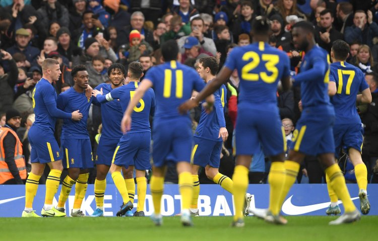 Chelsea celebrating a goal against Nottingham Forest