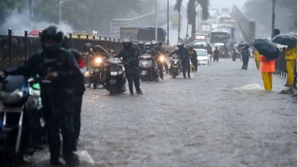 Heavy rains batter Mumbai, orange alert issued in the city; deluge causes landslides, wall and bridge collapse in Thane, Palghar