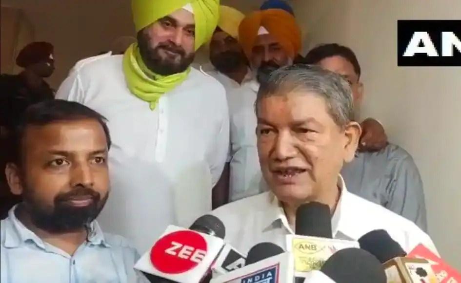 Dispute between Amarinder Singh and Navjot Singh Sidhu would be good for Congress, says Harish Rawat