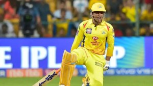 IPL 2021: CSK skipper MS Dhoni sends WARNING to Mumbai Indians with crazy hitting in practice game – WATCH