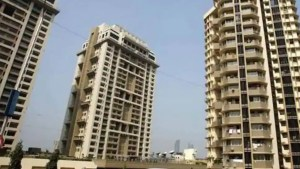 Security guards of posh Noida society thrash residents, FIR filed; watch video