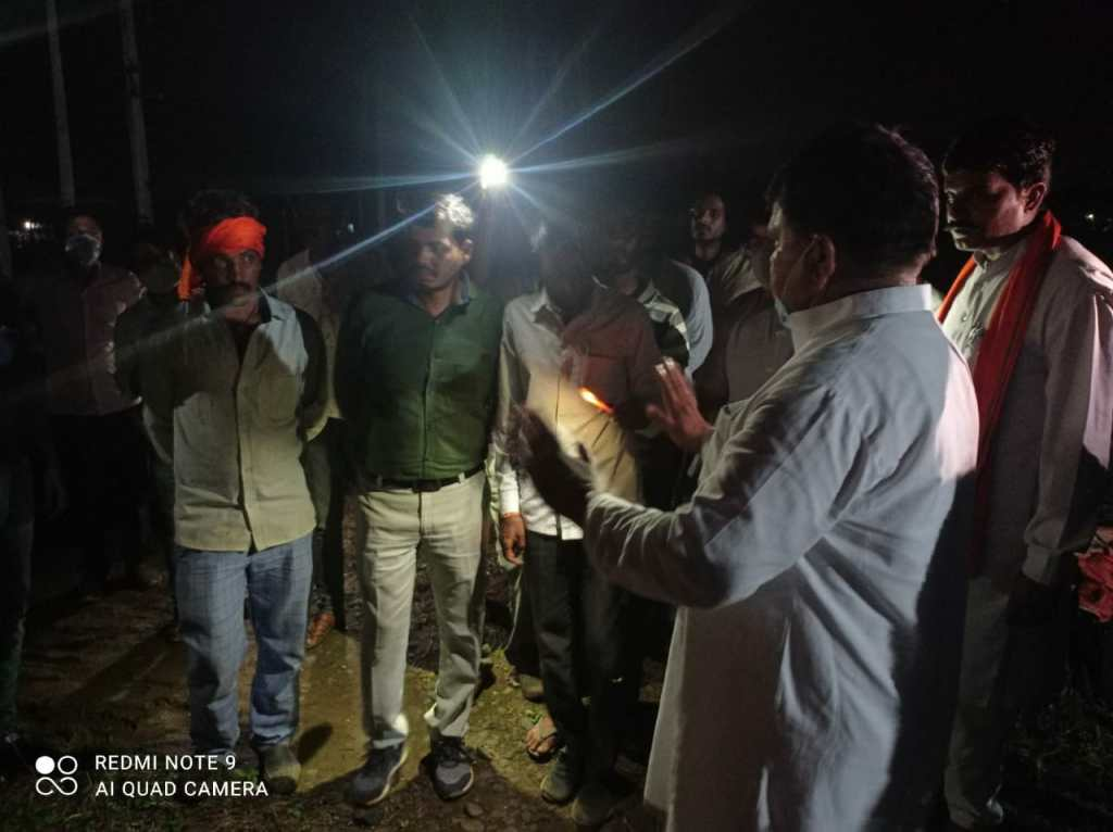 The Energy Minister was furious after seeing the street lights turned off and the wires swinging on the DP, reprimanded the officials fiercely
