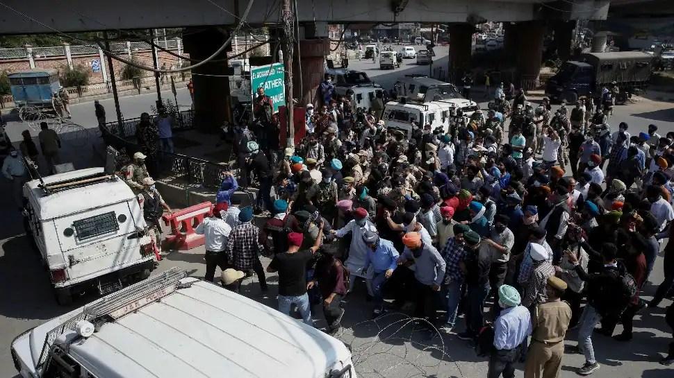 Majority community comes forward to support minorities to save 'Kashmiriyat'