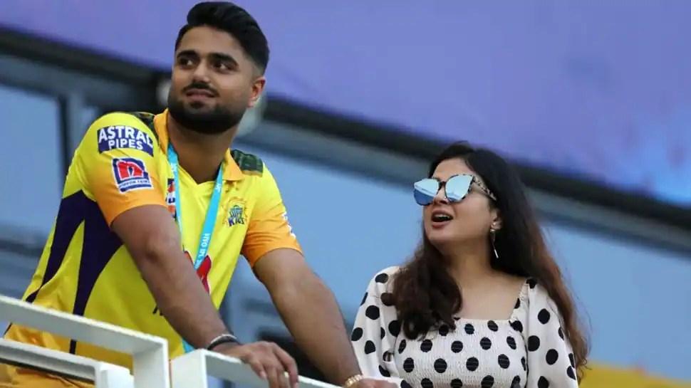 Watch: Sakshi Dhoni get emotional after husband MS Dhoni's match-winning knock