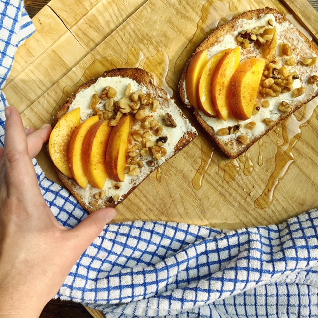 peaches and cream cheese toast is a good alternative to avocado toast