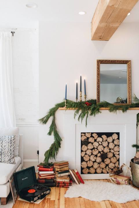Holiday Inspired Mantle