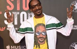 Snoop Dogg Stands Over Trump's Body On Album Cover
