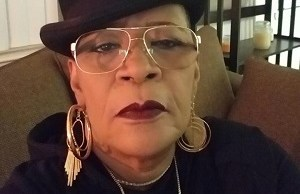 Marsha Warfield's Mom Asked Her Not To 'Come Out' Until She Was Dead