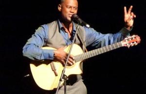 Brian McKnight Gets Married In New Year's Eve Ceremony