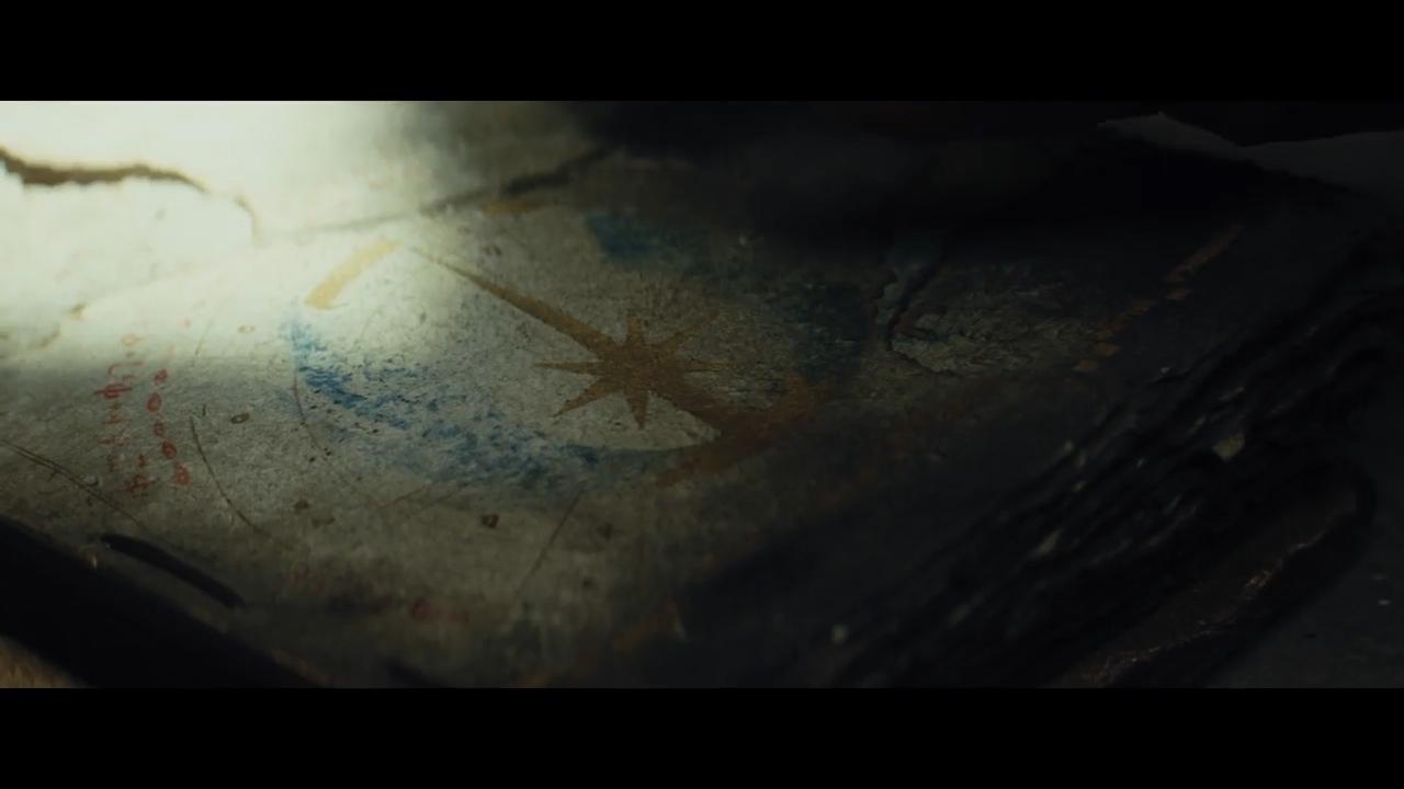 Star Wars- The Last Jedi Official Teaser.00_01_02_23.Still014