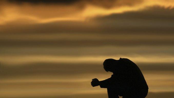 https://www.google.ie/search?biw=1366&bih=700&tbm=isch&sa=1&ei=a-C7Wu20E8rIgAbrxqCwCg&q=a+boy+sitting+alone&oq=a+boy+sitting+alone&gs_l=psy-ab.3..0l9j0i30k1.10975.16168.0.16943.21.12.1.8.8.0.314.1483.2j9j0j1.12.0....0...1c.1.64.psy-ab..0.21.1975...0i67k1.0.6FpSNMOidv8#imgrc=6aRVVd5xSkopyM: