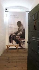 Bill of Mandela inside a cell