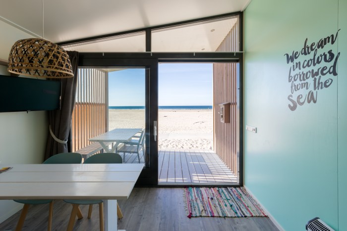 Kijkduin Strandhuisjes van Largo. Heerlijk overnachten op het strand