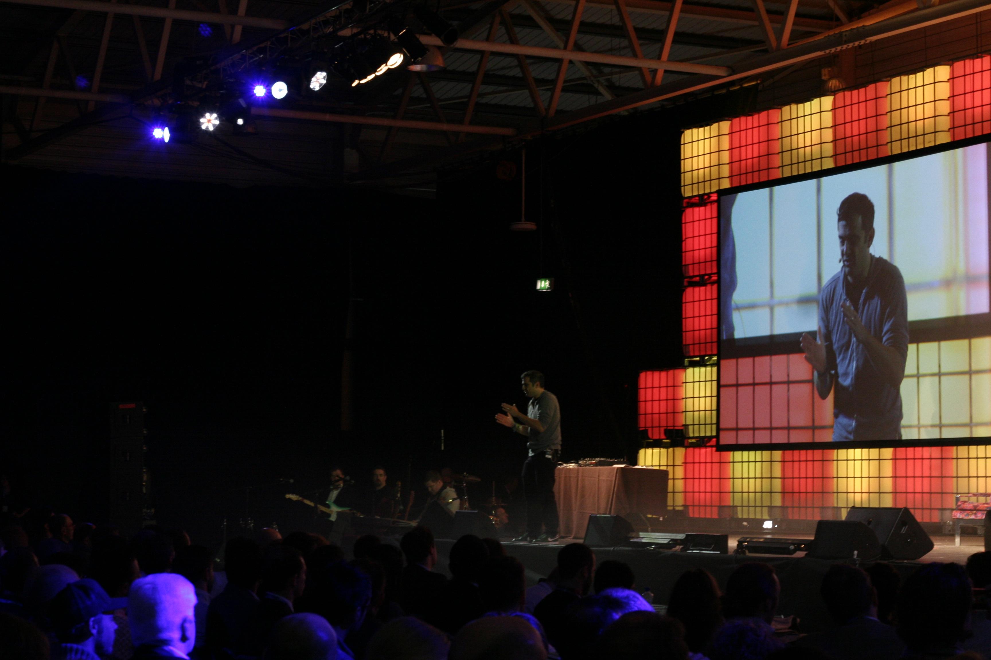 Gary Vaynerchuk talks no bullshit policies with regards to consumers