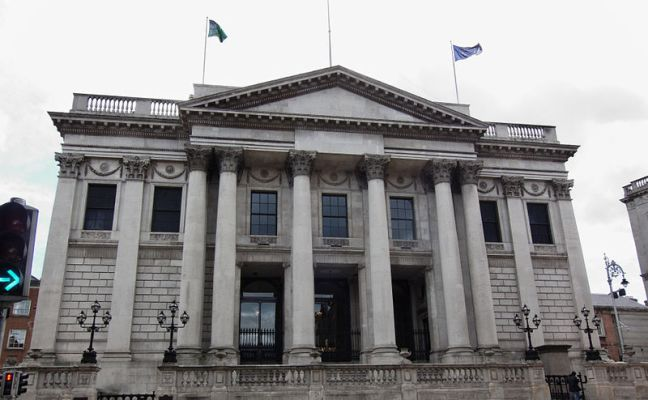 800px-Dublin_-_Dublin_City_Hall_-_110508_142023
