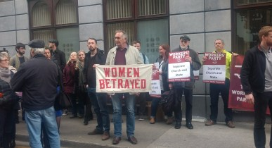 Demonstrators at the Department of Health, image by Hannah Lemass