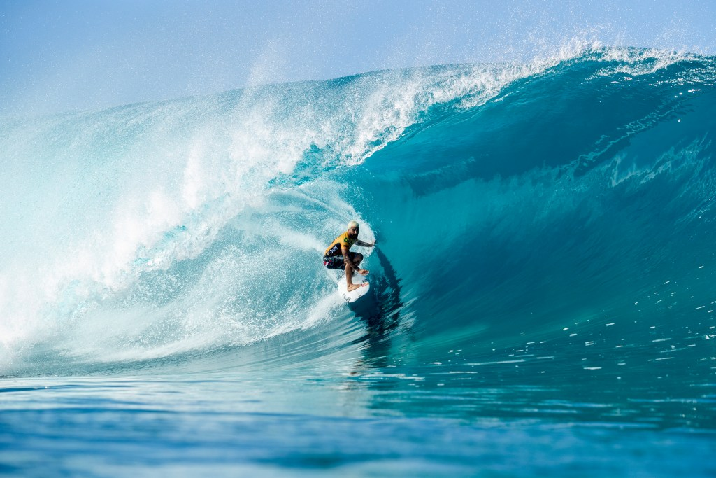 OAHU, UNITED STATES - DECEMBER 10: Italo Ferreira of Brazil advances directly to Round 3 of the 2019 Billabong Pipe Masters after placing second in Heat 5 of Round 1 at Pipeline on December 10, 2019 in Oahu, United States. (Photo by Kelly Cestarii/WSL via Getty Images)