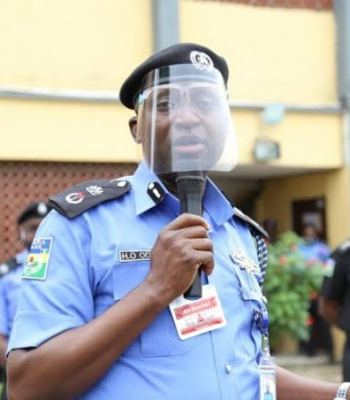 #EndSARS: Police Parade Over 200 Suspected Looters In Lagos {Photos/Video} ~Thecitypulsenews