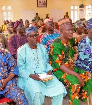 Shina Peller Holds Stakeholders Meeting with APC Leaders, Preaches Unity