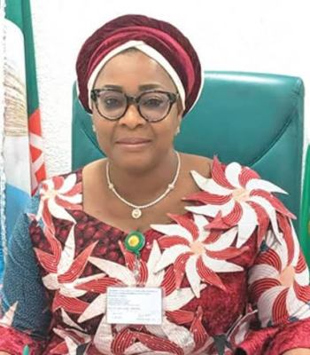 Victoria Amudoaghan Bereaved: Hon. Tolulope Akande-Sadipe Commiserates with Florence Ajimobi
