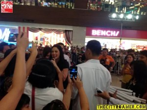 KC Concepcion mingling with the audience at the Boy Golden Mall Tour at Glorietta