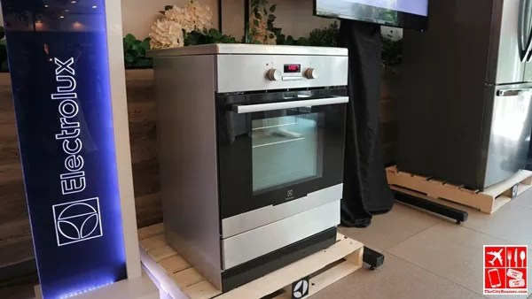 Electrolux Cooking Range with Induction Cooktop and Electric Oven