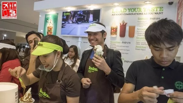 Blogger Jonel Uy waits for his turn to create his own Sanum treat