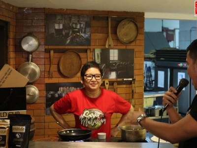 Harlene Bautista in the kitchen of Salu The Filipino Restaurant