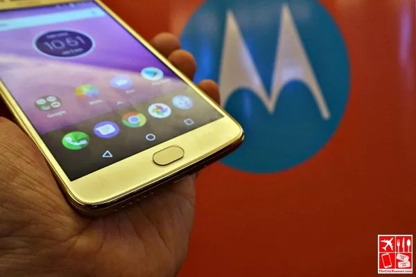 The sole physical button of Moto e4 Plus which serves as fingerprint scanner
