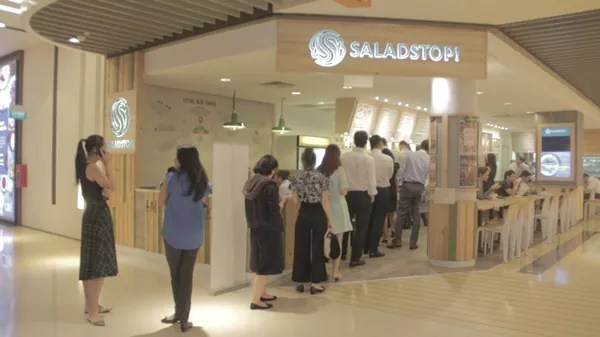 Long queue at SaladStop!