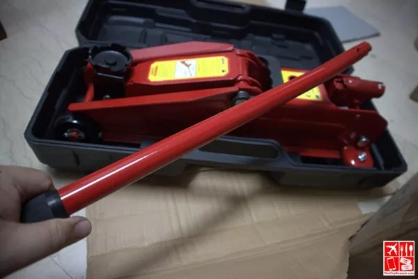 Hydraulic Floor Jack and handle