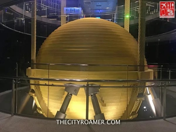 The largest wind damper in the world is at Taipei 101_Fotor