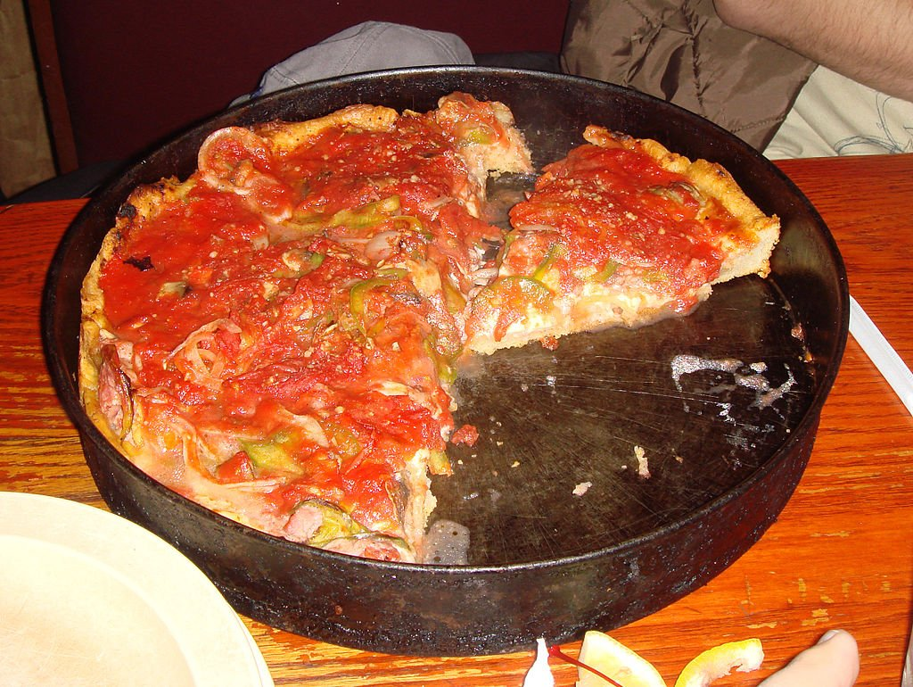 6 Famous Chicago Pizza Places You Need To Visit The Clare