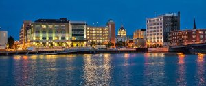 green bay wisconsin skyline