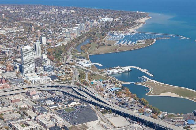 milwaukee wisconsin aerial photo