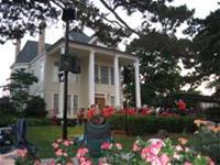 Downtown Libertyville park