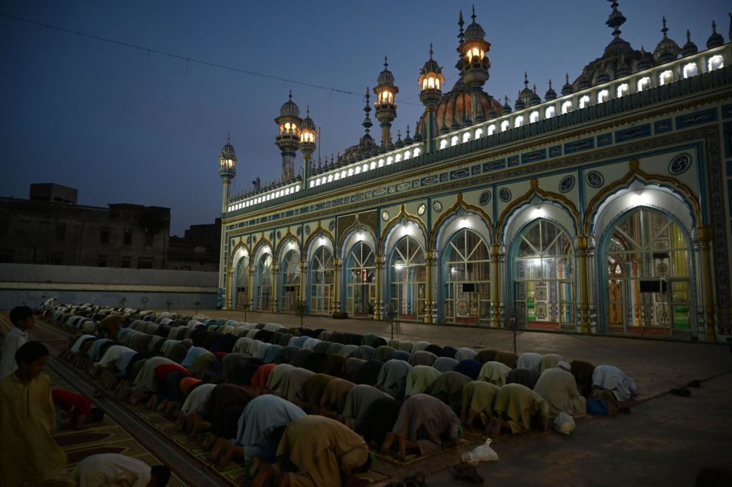 Featured Image - Fitrana (Sadqa e Fitr) (Zakat al Fitr) in India in Ramadan 2019 (English, Urdu)